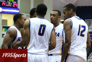 Hofstra Huddle. Photo by: Stacy Podelski/ 1495 Sports