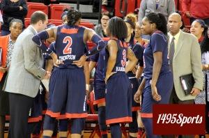 St John's Women's Basketball Huddle. Photo by: Stacy Podelski/1495 Sports