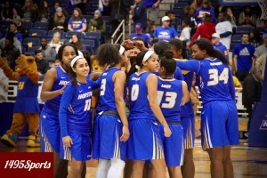 The Hofstra University Women's Basketball team. Photo by: Stacy Podelski/1495 Sports