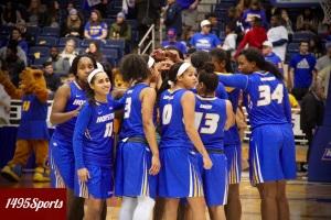 The Hofstra University Women's Basketball team. Photo by: Stacy Podelski/1495 Sports