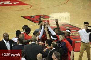 The St. John's Men's Basketball team huddle. Photo by: Stacy Podelski/1495 Sports